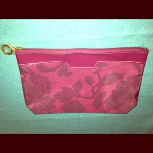 Estée Lauder polyester makeup bag in maroon